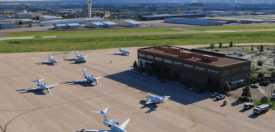 Centennial Airport (APA)